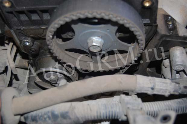 Двигатель без крышки