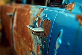 Ржавый автомобиль